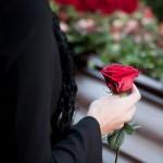 Человек на похоронах