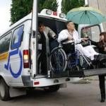 Инвалид в социальном такси